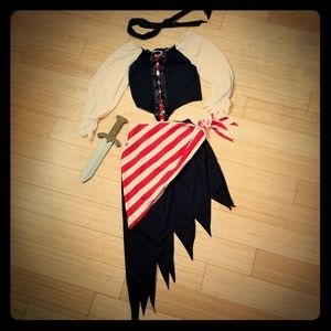 ⭐️CLOSET CLOSING⭐️ NEW Women's 5pc Pirate Costume